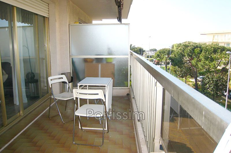 Photo Appartement Saint-Laurent-du-Var Vespins,   achat appartement  1 pièce   32 m²