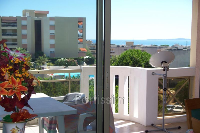 Photo n°2 - Vente appartement Saint-Laurent-du-Var 06700 - 278 000 €