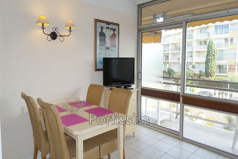 Photo Appartement Saint-Laurent-du-Var Vespins,   achat appartement  1 pièce   24 m²