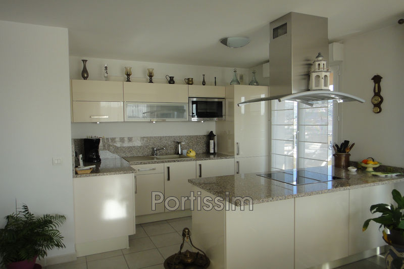 Photo Appartement Saint-Laurent-du-Var Centre-ville,   achat appartement  4 pièces   83 m²