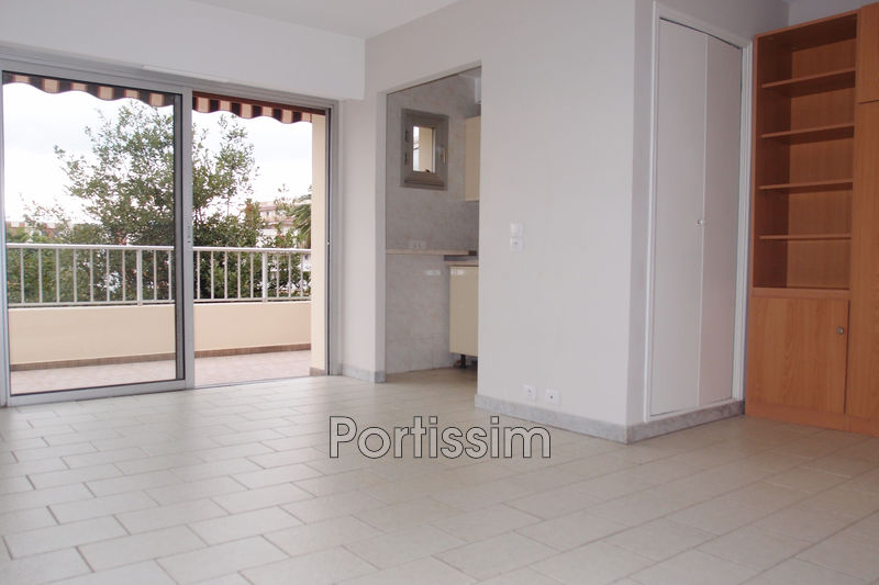 Photo Apartment Saint-Laurent-du-Var Vespins,   to buy apartment  1 room   27 m²
