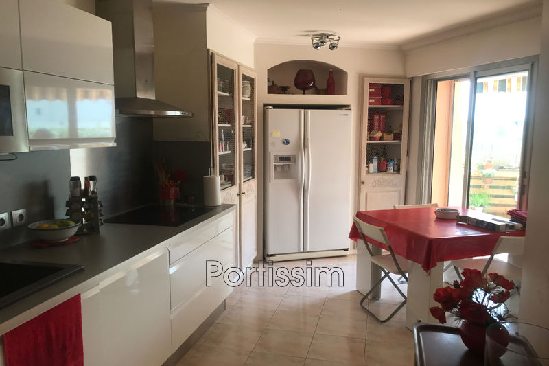 Photo Appartement Saint-Laurent-du-Var Vespins,   achat appartement  3 pièces   78 m²