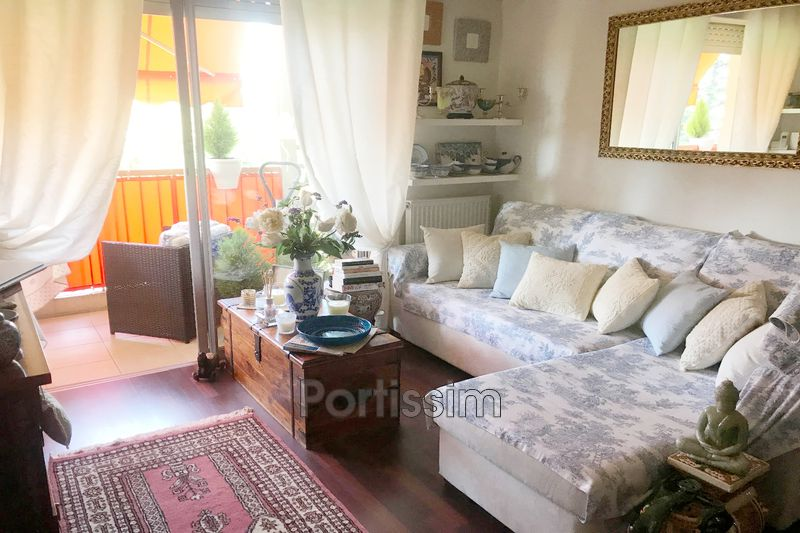 Apartment Saint-Laurent-du-Var Tzanck,   to buy apartment  1 room   31 m²