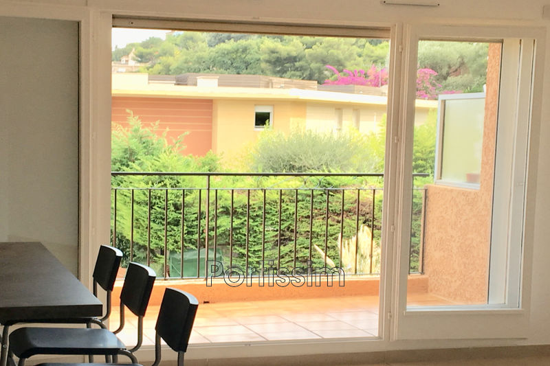 Photo Appartement Saint-Laurent-du-Var Fanestock,   achat appartement  1 pièce   31 m²