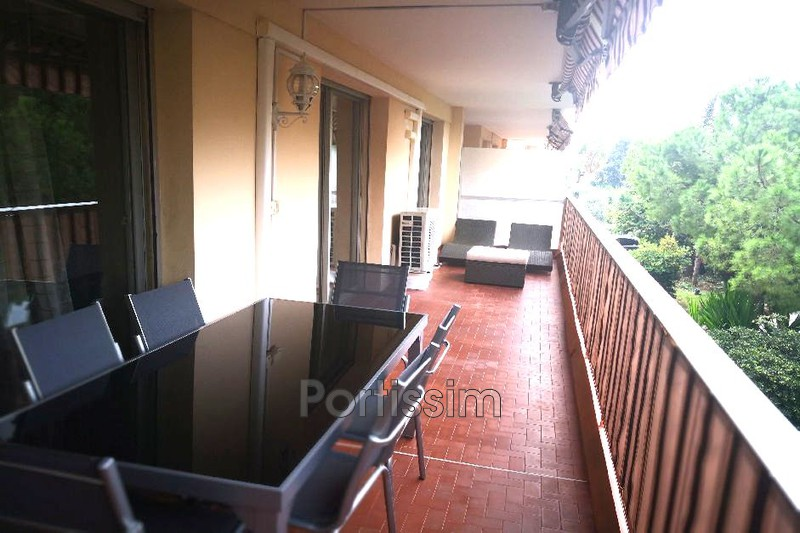 Photo Appartement Saint-Laurent-du-Var Vespins,   achat appartement  3 pièces   72 m²