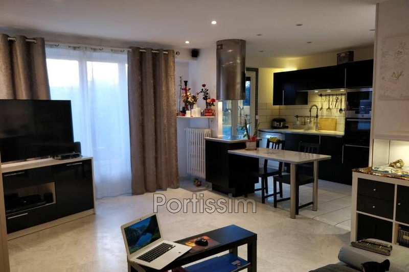 Photo n°2 - Vente appartement Saint-Laurent-du-Var 06700 - 235 000 €