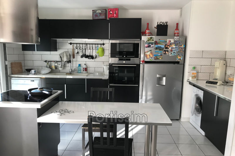 Photo n°3 - Vente appartement Saint-Laurent-du-Var 06700 - 235 000 €