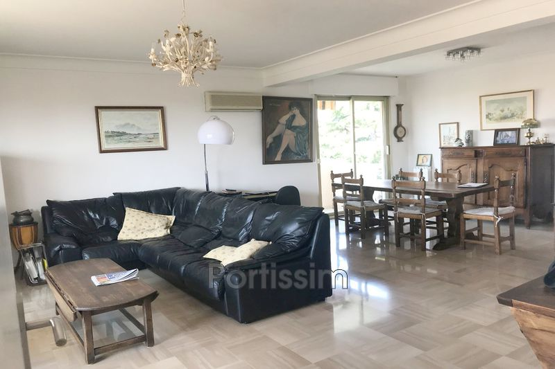 Photo Appartement Saint-Laurent-du-Var Vespins,   achat appartement  3 pièces   92 m²