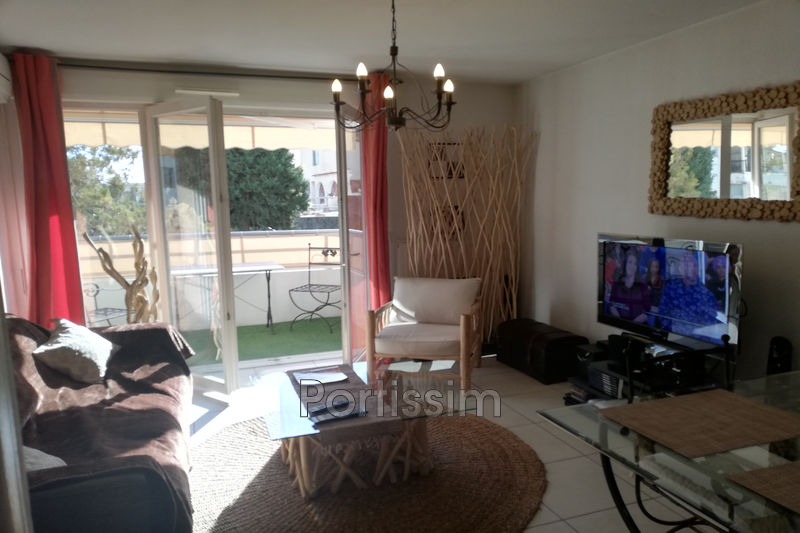 Photo Appartement Saint-Laurent-du-Var Rascas,   achat appartement  2 pièces   43 m²