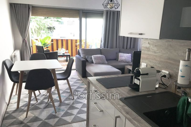 Photo Apartment Saint-Laurent-du-Var Vespins,   to buy apartment  2 rooms   34 m²