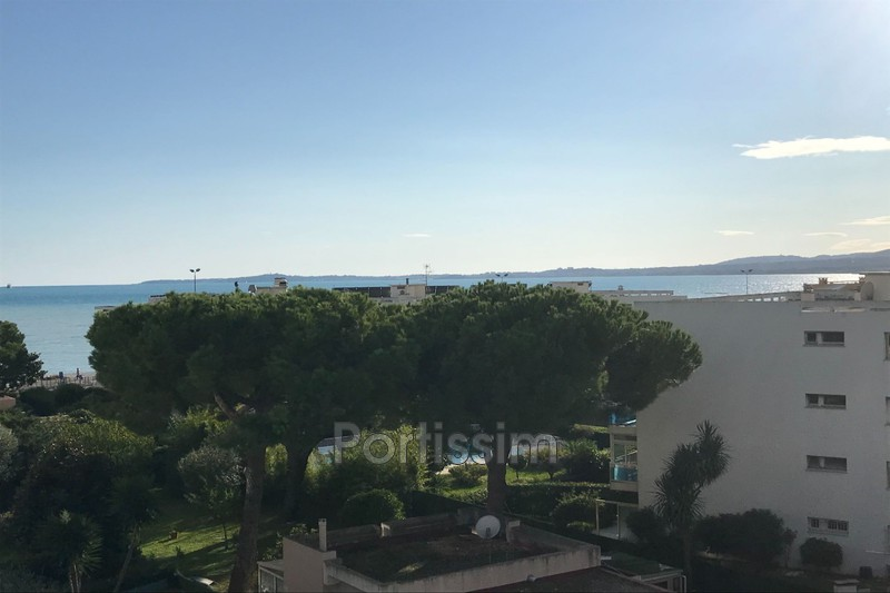 Photo Last floor Saint-Laurent-du-Var Vespins,   to buy last floor  4 rooms   99 m²
