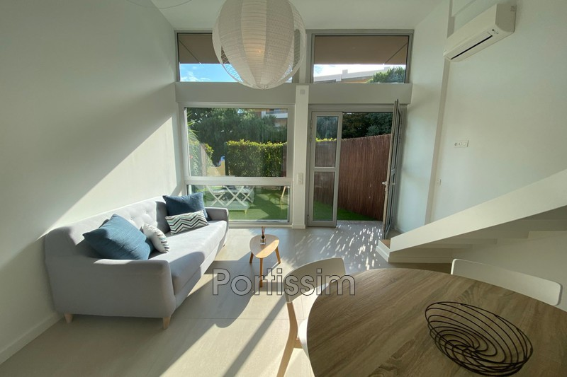 Photo Appartement Saint-Laurent-du-Var Vespins,   achat appartement  2 pièces   33 m²