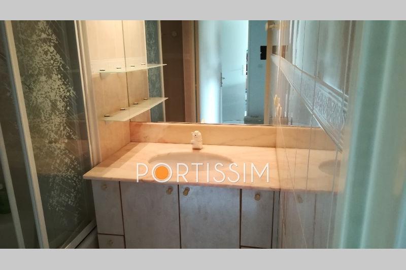 Photo n°8 - Vente appartement Saint-Laurent-du-Var 06700 - 231 000 €