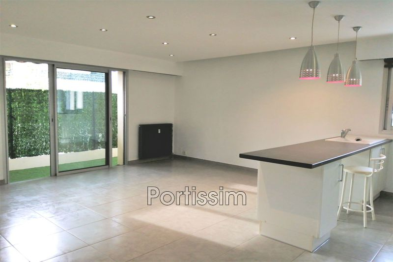 Photo Apartment Saint-Laurent-du-Var Vespins,   to buy apartment  1 room   34 m²
