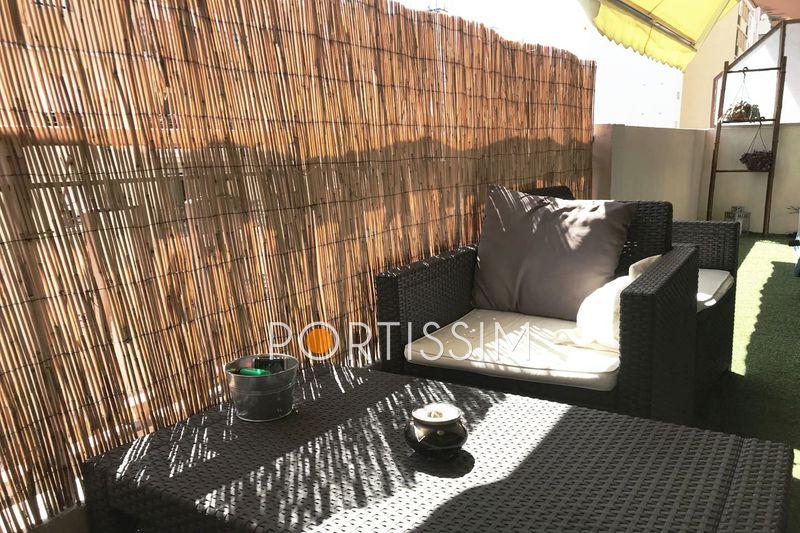 Photo Appartement Cagnes-sur-Mer Centre-ville,   achat appartement  3 pièces   52m²