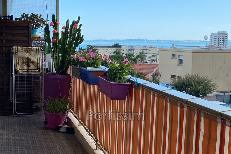 Photo Appartement Saint-Laurent-du-Var Tzanck,   achat appartement  2 pièces   66 m²