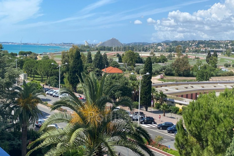 Apartment Cagnes-sur-Mer Hippodrome,   to buy apartment  1 room   33 m²