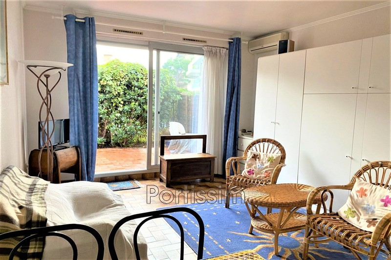 Photo Appartement Saint-Laurent-du-Var Vespins,   achat appartement  1 pièce   25 m²