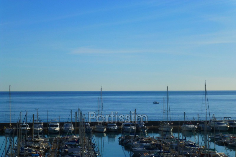 Photo Appartement Saint-Laurent-du-Var Vespins,   achat appartement  4 pièces   100 m²
