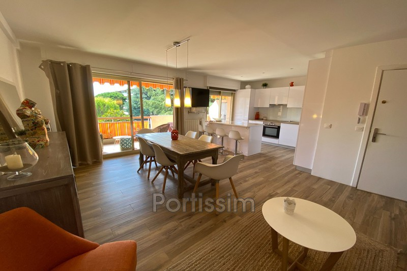 Photo Appartement Saint-Laurent-du-Var Vespins,   achat appartement  3 pièces   65 m²