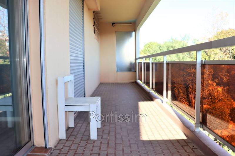 Photo Appartement Saint-Laurent-du-Var Jaquon,   achat appartement  3 pièces   74 m²