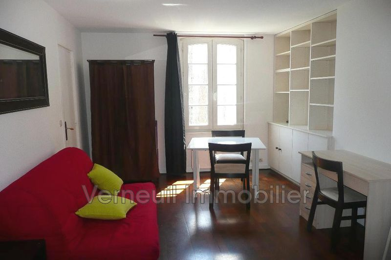 Photo Appartement Paris Rue de verneuil,  Location appartement  1 pièce   29 m²