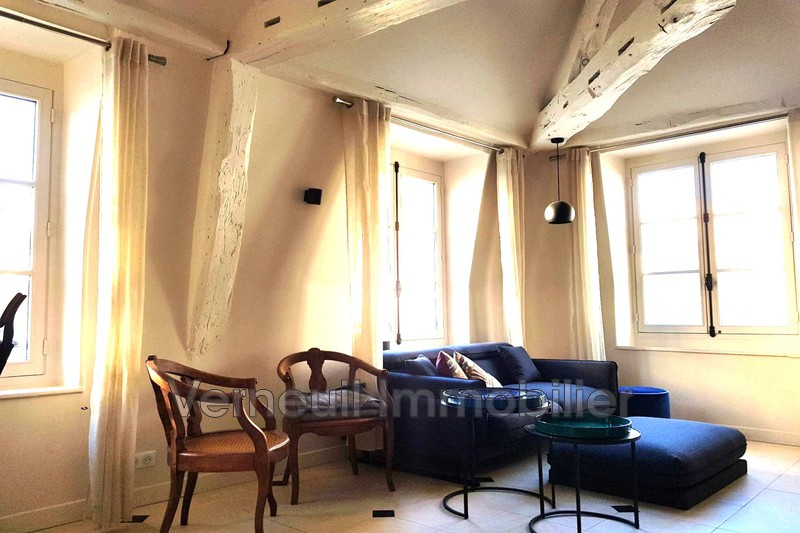 Photo Appartement Paris Rue de lille,  Location appartement  1 pièce   30 m²
