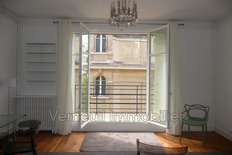 Photo Appartement Paris Rue de varenne,  Location appartement  1 pièce   33 m²