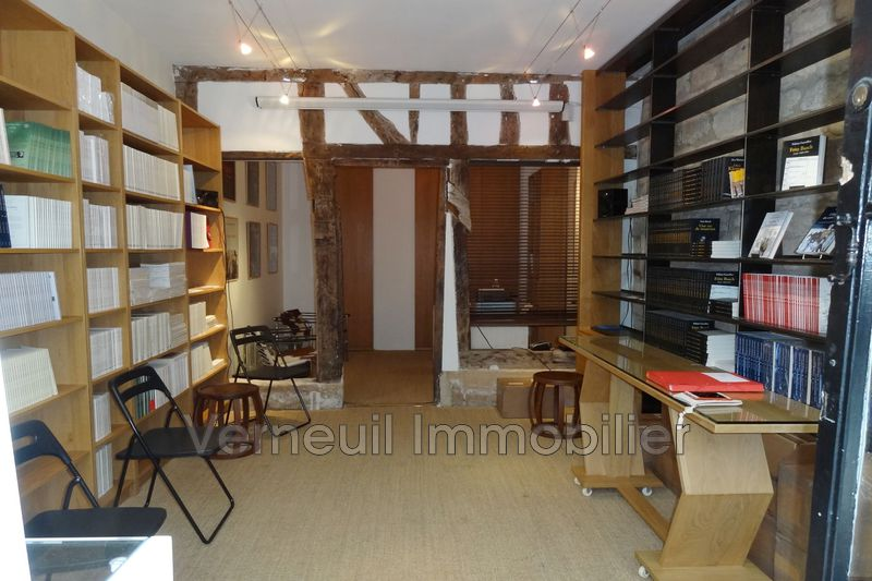 Paris  Professionnel    24 m²