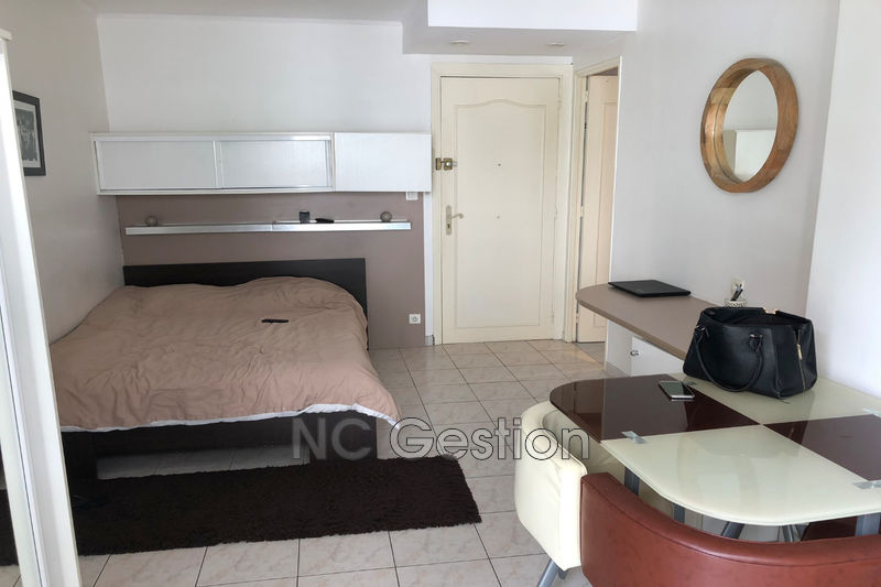 Photo n°1 - Location appartement Cannes 06400 - 680 €