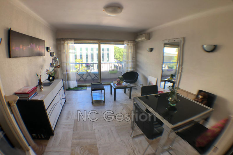 Photo n°1 - Location appartement Antibes 06600 - 1 300 €
