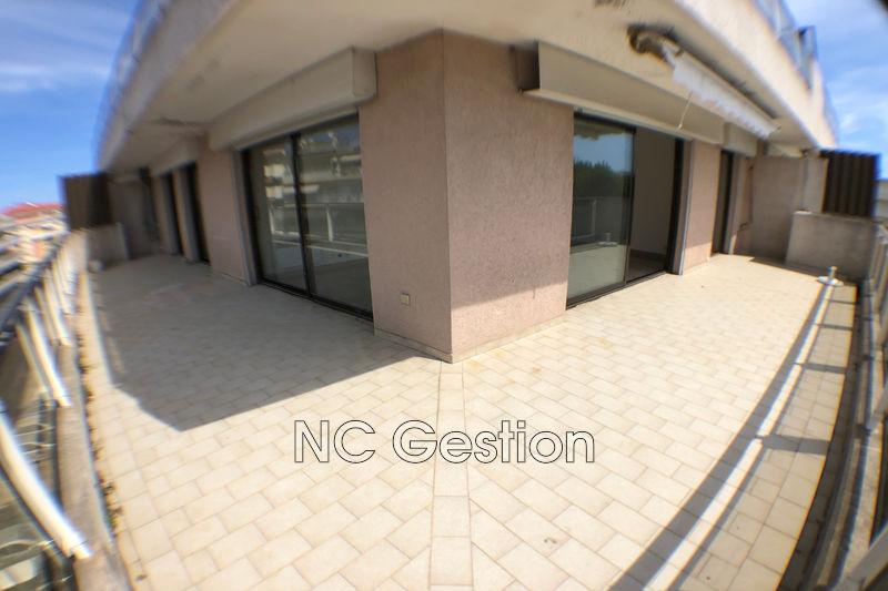Appartement Cannes  Location appartement  3 pièces   66m²