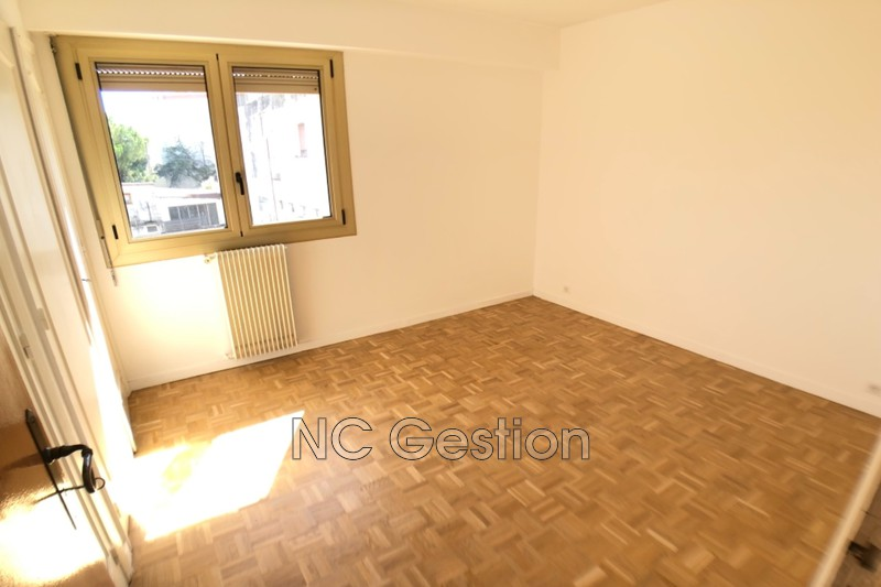 Photo n°4 - Location appartement Antibes 06600 - 1 100 €