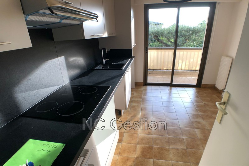 Photo n°9 - Location appartement Antibes 06600 - 905 €