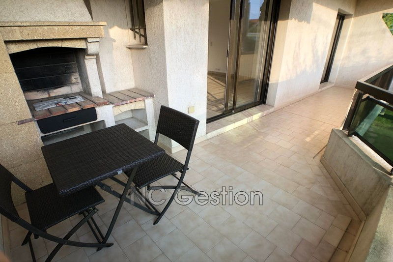 Photo Appartement Antibes  Location appartement  2 pièces   46 m²