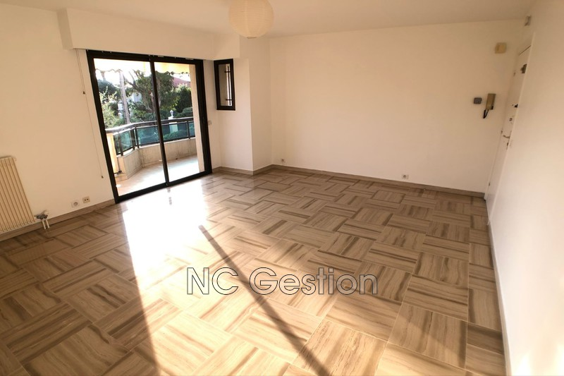 Photo n°2 - Location appartement Antibes 06600 - 905 €