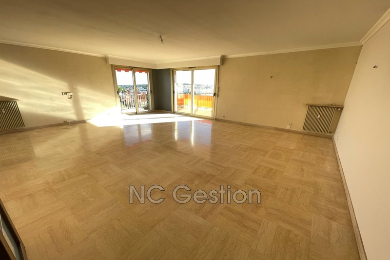 Photo n°2 - Location appartement Antibes 06600 - 1 990 €