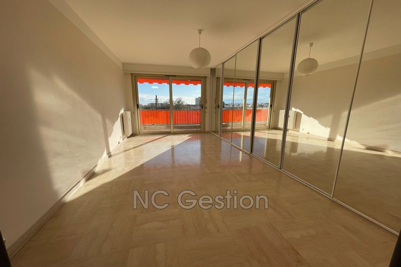 Photo n°4 - Location appartement Antibes 06600 - 1 990 €