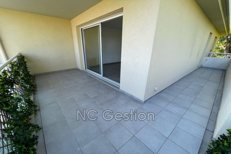 Appartement Juan-les-Pins  Location appartement  4 pièces   77m²