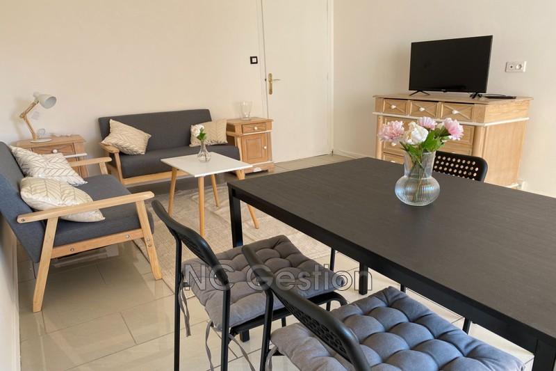 Photo Appartement Juan-les-Pins  Location appartement  3 pièces   54m²