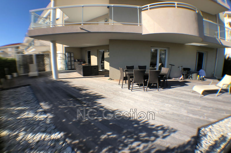 Appartement Juan-les-Pins   achat appartement  4 pièces   80m²