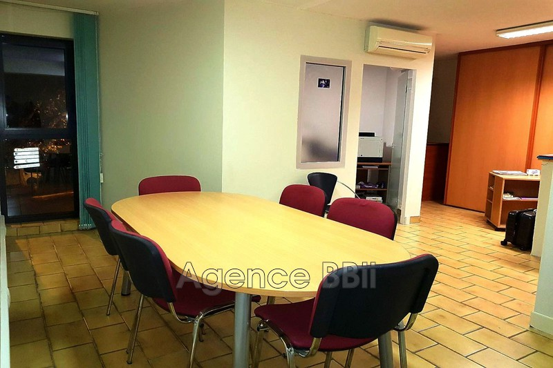 Bureau Grasse Place du cours,  Occupational bureau   69 m²
