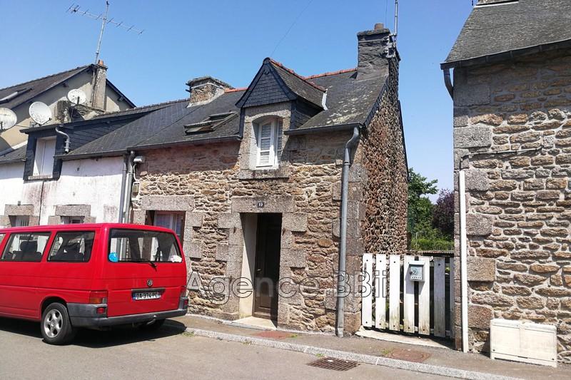 Maison en pierre Saint-Nicolas-du-Pélem Centre-ville,   achat maison en pierre  1 chambre   33m²