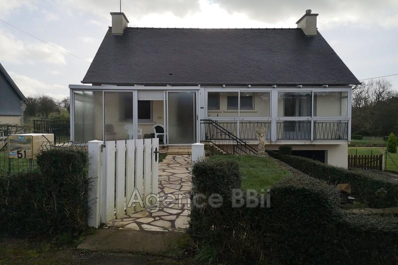 Maison Saint-Nicolas-du-Pélem Centre-ville,   achat maison  2 chambres   80m²