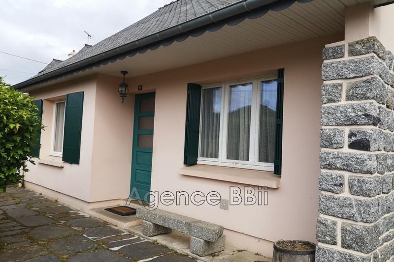 Maison Saint-Nicolas-du-Pélem Centre-ville,   achat maison  2 chambres   58m²