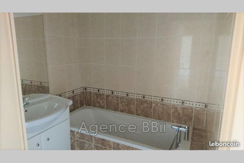 Photo n°3 - Vente appartement La Seyne-sur-Mer 83500 - 102 500 €