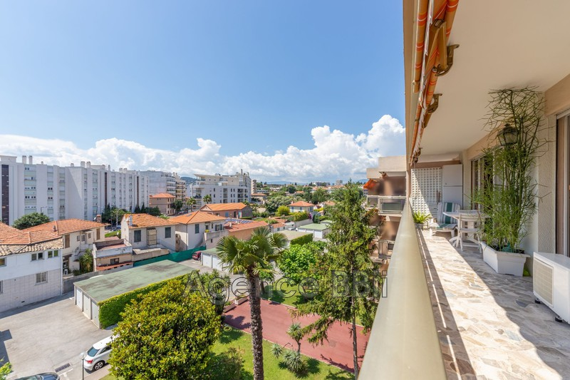 Appartement Juan-les-Pins Proche plages,   achat appartement  2 pièces   50m²