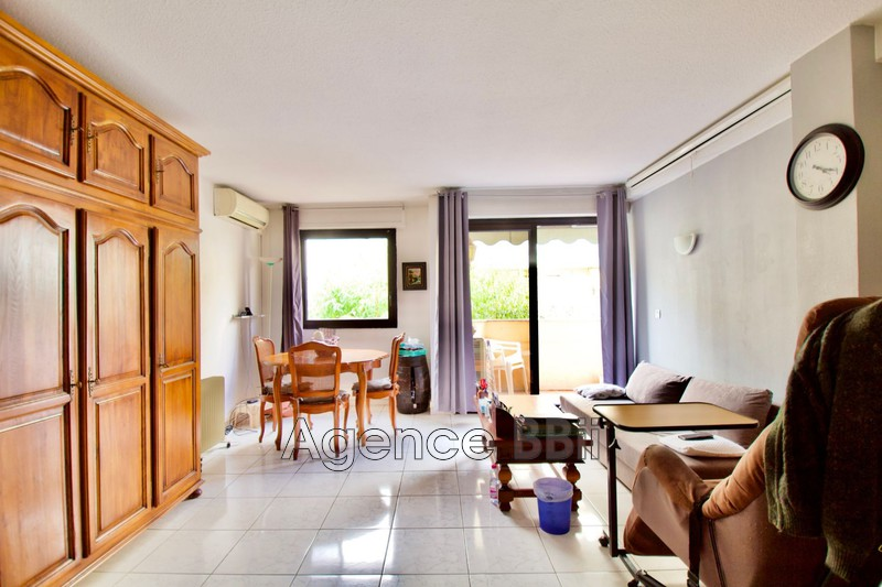 Apartment Antibes Centre-ville,   to buy apartment  3 rooms   65m²