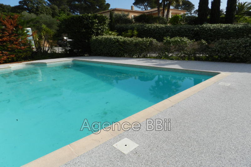 Villa Roquebrune-sur-Argens Village,   achat villa  5 chambres   137m²