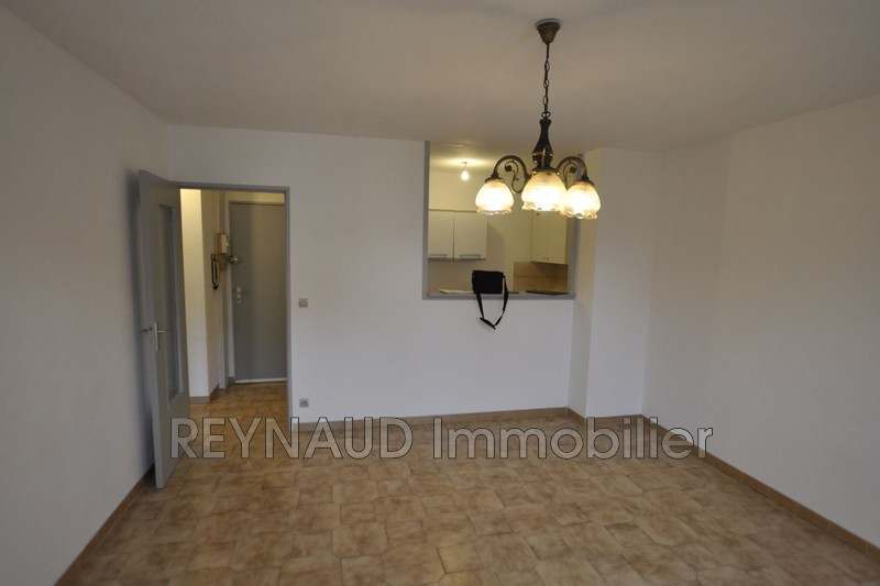 Photo Appartement Clermont-l'Hérault Centre-ville,   achat appartement  2 pièces   43 m²